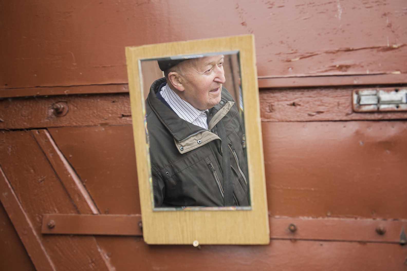 Mieszkanie przepadło, lecz Pan Sławek nadal posiada garaż w którym trzyma swoje rzeczy.